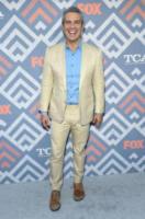 Andy Cohen - West Hollywood - 08-08-2017 - Vanessa Hudgens brilla sul red carpet degli TCA Awards 2017