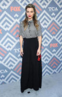 Lauren German - West Hollywood - 08-08-2017 - Vanessa Hudgens brilla sul red carpet degli TCA Awards 2017