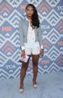 Chandler Kinney - West Hollywood - 08-08-2017 - Vanessa Hudgens brilla sul red carpet degli TCA Awards 2017