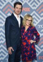 Christian Hebel, Rachael Harris - West Hollywood - 08-08-2017 - Vanessa Hudgens brilla sul red carpet degli TCA Awards 2017