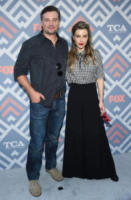 Lauren German, Tom Welling - West Hollywood - 08-08-2017 - Vanessa Hudgens brilla sul red carpet degli TCA Awards 2017