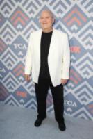 Dirk Blocker - West Hollywood - 09-08-2017 - Vanessa Hudgens brilla sul red carpet degli TCA Awards 2017