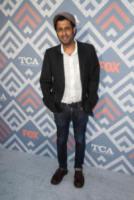 Adeel Akhtar - West Hollywood - 09-08-2017 - Vanessa Hudgens brilla sul red carpet degli TCA Awards 2017