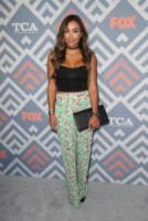October Gonzalez - West Hollywood - 09-08-2017 - Vanessa Hudgens brilla sul red carpet degli TCA Awards 2017