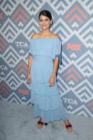 Elia, Sofia Black-D&#39 - West Hollywood - 09-08-2017 - Vanessa Hudgens brilla sul red carpet degli TCA Awards 2017