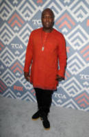Peter Macon - West Hollywood - 09-08-2017 - Vanessa Hudgens brilla sul red carpet degli TCA Awards 2017