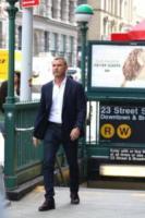 Liev Schreiber - New York - 09-08-2017 - Liev Schreiber sul set di Ray Donovan a New York