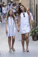 Principessa Sofia di Borbone, Letizia Ortiz - Maiorca - 06-08-2017 - Letizia di Spagna, regina di stile con genio e... regolatezza!
