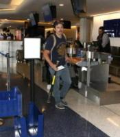 Casey Affleck - LAX - 10-08-2017 - Casey Affleck: il nuovo look passa dai baffi
