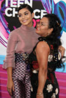 Gina Guangco, Vanessa Hudgens - Los Angeles - 14-08-2017 - Teen Choice Awards: a Los Angeles si celebrano i divi del futuro