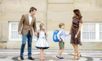 principessa Josephine di Danimarca, principe Vincent di Danimarca, Principessa Mary di Danimarca - Copenhagen - 15-08-2017 - Piccoli reali di Danimarca crescono: il primo giorno di scuola
