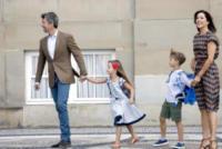 principessa Josephine di Danimarca, principe Vincent di Danimarca, Principe Frederick, Principessa Mary di Danimarca - Copenhagen - 15-08-2017 - Piccoli reali di Danimarca crescono: il primo giorno di scuola