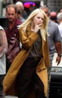 Emma Stone - Manhattan - 15-08-2017 - Emma Stone svela il suo nuovo look sul set di Maniac