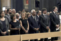 Carles Puigdemont i Casamajó, António Costa, Soraya Sáenz de Santamaria, Ada Colau, Ana Pastor, Mariano Rajoy - Barcellona - 20-08-2017 - Barcellona, i reali in visita ai feriti dell'attentato: le foto