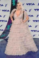 Kesha - Inglewood - 27-08-2017 - Chi lo indossa meglio? Nuvole di tulle e balze per Pink e Kesha