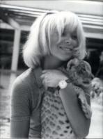 07-08-1969 - Addio a Mireille Darc: morta l'ex compagna di Alain Delon