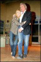 Mireille Darc, Alain Delon - Parigi - 29-01-2007 - Addio a Mireille Darc: morta l'ex compagna di Alain Delon