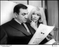Lino Ventura, Mireille Darc - - - 01-01-2011 - Addio a Mireille Darc: morta l'ex compagna di Alain Delon