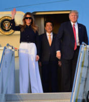 Shinzō Abe, Melania Trump, Donald Trump - West Palm Beach - 10-02-2017 - Melania Trump, uragano (di proteste) per il tacco 12