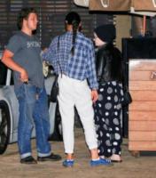 Kelly Osbourne - Malibu - 30-08-2017 - Kelly Osbourne, look imbarazzante per andare al ristorante