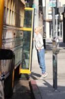 Gwen Stefani - Sherman Oaks - 31-08-2017 - Gwen Stefani in versione mamma attende lo scuolabus del figlio