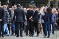 Carla Bruni - Parigi - 01-09-2017 - L'ultimo saluto di Alain Delon all'amata Mireille Darc