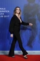 Claudia Gerini - Venezia - 03-09-2017 - Venezia 74: il red carpet di Suburra