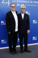 Stephen Nomura Schible,, Ryuchi Sakamoto - Venezia - 03-09-2017 - Venezia 74, tutti in... Coda per Ryuichi Sakamoto