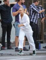 Sia - Los Angeles - 06-09-2017 - La cantante Sia senza frangia? Ve la facciamo vedere noi