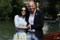 Ciro Pellegrino, Tiziana Buldini - Venezia - 07-09-2017 - Venezia 74: Tiziana Buldini bellissima in Giada Curti