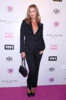Paulina Porizkova - New York - 08-09-2017 - Blake Lively: pantaloni? No grazie, sotto la giacca... niente!