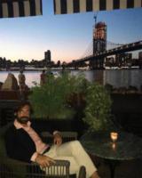 Andrea Pirlo - New York - 07-09-2017 - Andrea Pirlo beato tra le donne, la foto fa il giro del web
