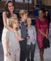 Knox Leon Jolie-Pitt, Shiloh Jolie-Pit, Vivienne Jolie-Pitt, Zahara Jolie-Pitt, Angelina Jolie - Toronto - 10-09-2017 - Angelina Jolie a Toronto... in versione mamma!