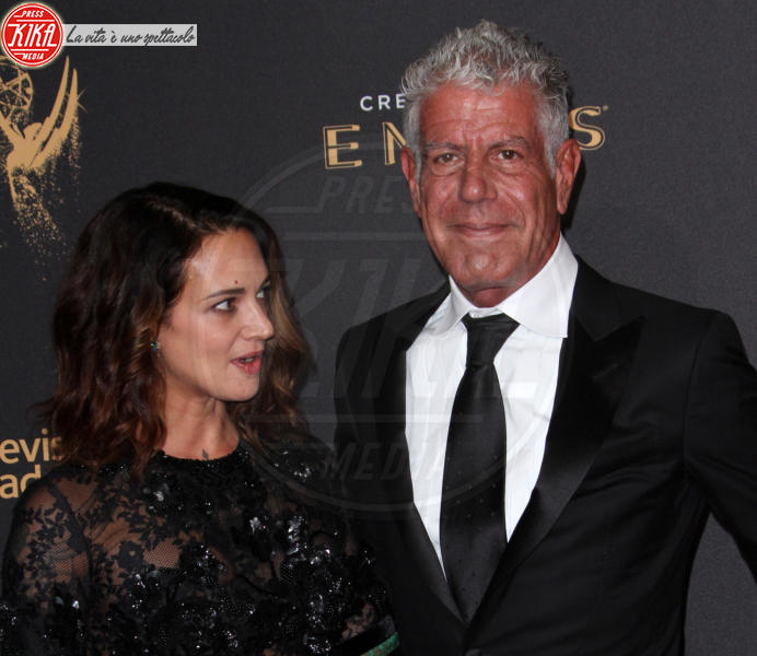 Anthony Bourdain, Asia Argento - Los Angeles - 09-09-2017 - Creative Arts Emmy: sul red carpet anche Asia Argento