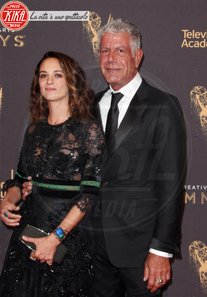 Anthony Bourdain, Asia Argento - Los Angeles - 10-09-2017 - Creative Arts Emmy: sul red carpet anche Asia Argento
