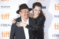 Rithy Panh, Angelina Jolie - Toronto - 11-09-2017 - Angelina Jolie, la premiere è un affare di famiglia