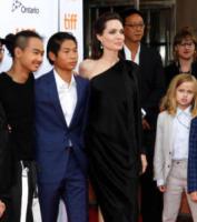 Maddox Jolie-Pitt, Pax Jolie-Pitt, Vivienne Jolie-Pitt, Angelina Jolie - Toronto - 11-09-2017 - Angelina Jolie, la premiere è un affare di famiglia