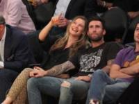 Behati Prinsloo, Adam Levine - Los Angeles - 13-04-2016 - Adam Levine e Behati Prinsloo diventeranno genitori bis