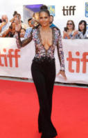 Halle Berry - Toronto - 13-09-2017 - Le star che sanno osare: sensualità over 50 sul red carpet