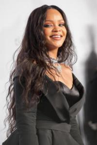 Rihanna - New York - 15-09-2017 - Rihanna, bellezza mozzafiato al Diamond Ball