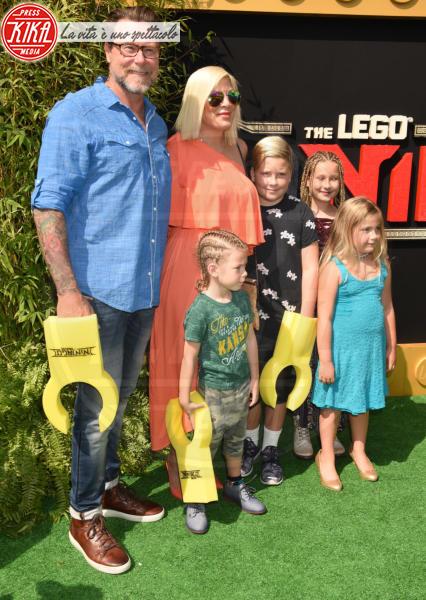 Dean McDermott, Tori Spelling - Westwood - 16-09-2017 - Genitori da record: James Van del Beek al sesto figlio!