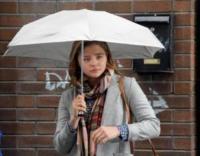 Chloe Grace Moretz - Dublino - 15-09-2017 - Chloe Grace Moretz, scende la pioggia ma che fa!