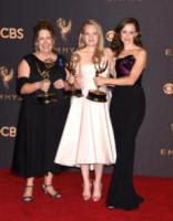 Ann Dowd, Alexis Bledel, Elisabeth Moss - Los Angeles - 17-09-2017 - Emmy 2017: trionfa The Handmaid's Tale