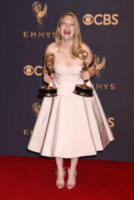 Elisabeth Moss - Los Angeles - 17-09-2017 - Emmy 2017: trionfa The Handmaid's Tale