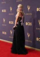 Julianne Hough - Los Angeles - 17-09-2017 - Emmy 2017: le dive viste fronte e retro