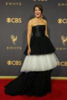 Mandy Moore - Los Angeles - 17-09-2017 - Emmy 2017: le dive viste fronte e retro