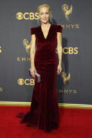 Gillian Anderson - Los Angeles - 17-09-2017 - Emmy 2017: le dive viste fronte e retro
