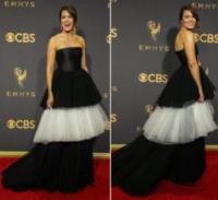 Mandy Moore - 18-09-2017 - Emmy 2017: le dive viste fronte e retro
