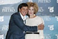 Cecilia Dazzi, Gianni Morandi - Milano - 21-09-2017 - Gianni Morandi torna alla fiction con L'isola di Pietro