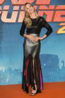 Sylvia Hoeks - Londra - 21-09-2017 - Blade Runner, premiere annullata per le vittime di Las Vegas